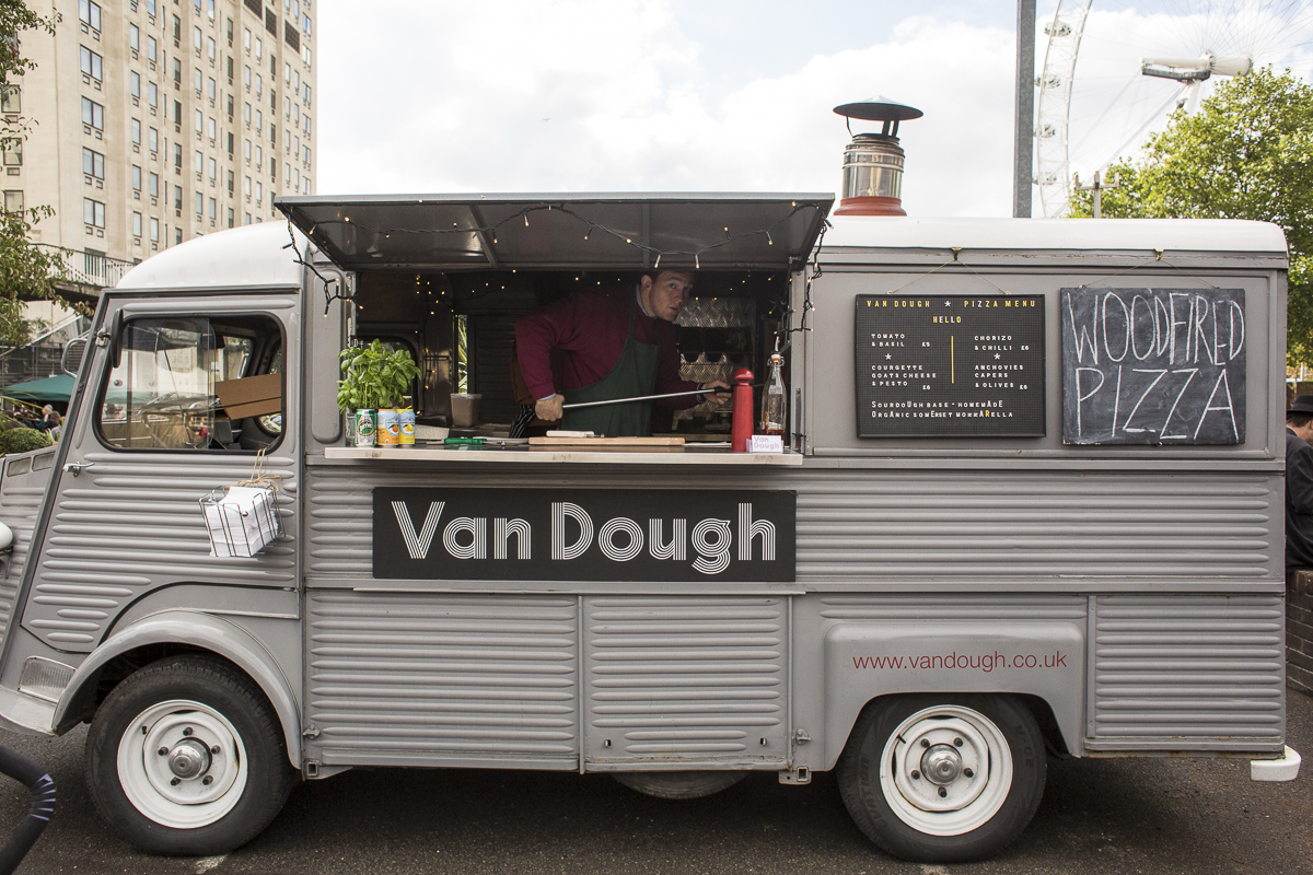 Food Sale: Putting The Trunk To Use: London's Classic Car Boot Sale