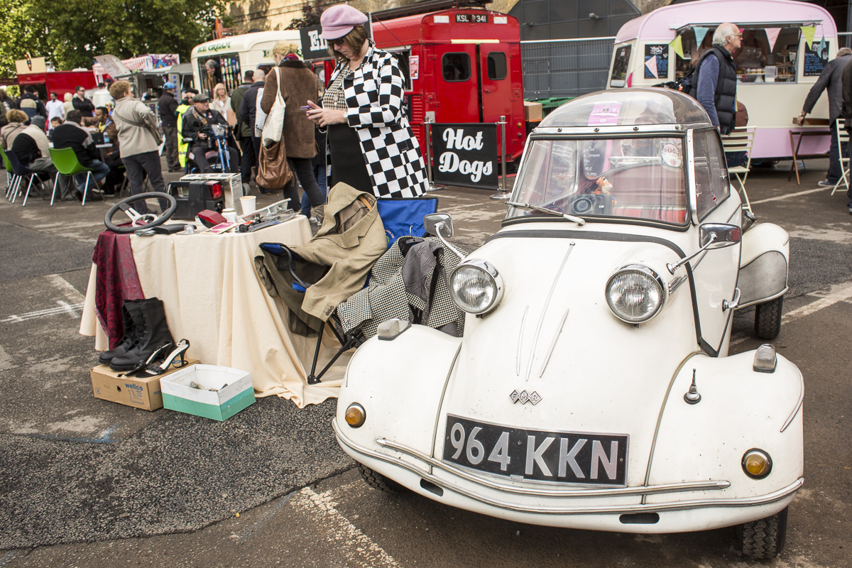 Putting the Trunk to Use: London\'s Classic Car Boot Sale | DrivingLine