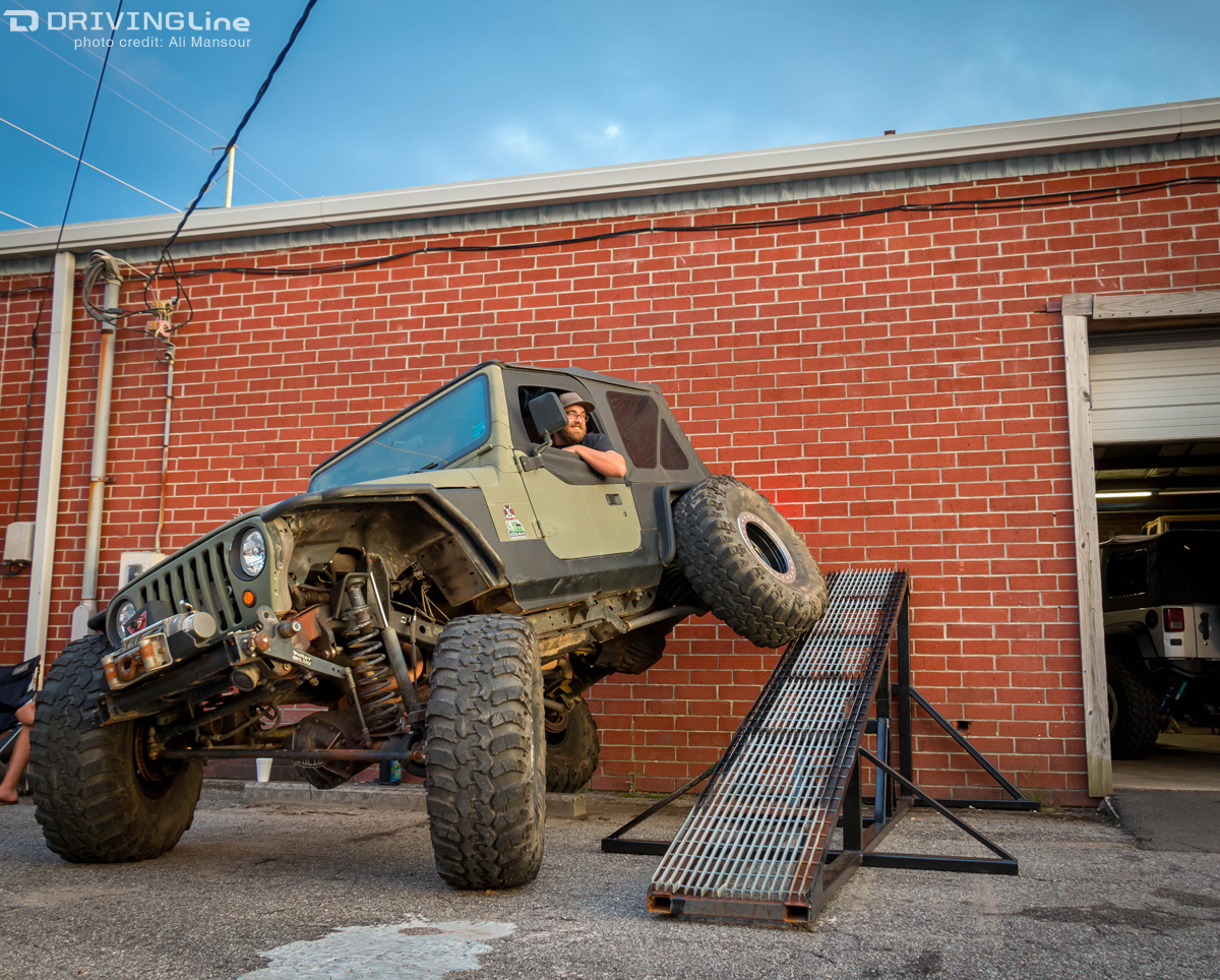 Flexing For Fun With Low Range 4x4 | DrivingLine